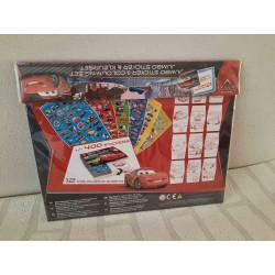 Milk jug of porcelain with flower print