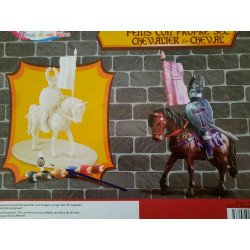 Clown with arms on each other