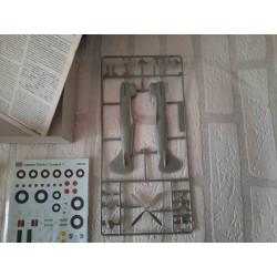 Collie hond met krant in zijn bek
