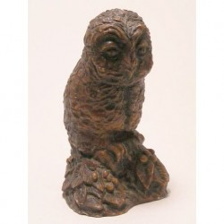 Owl figurine of synthetic resin in brown
