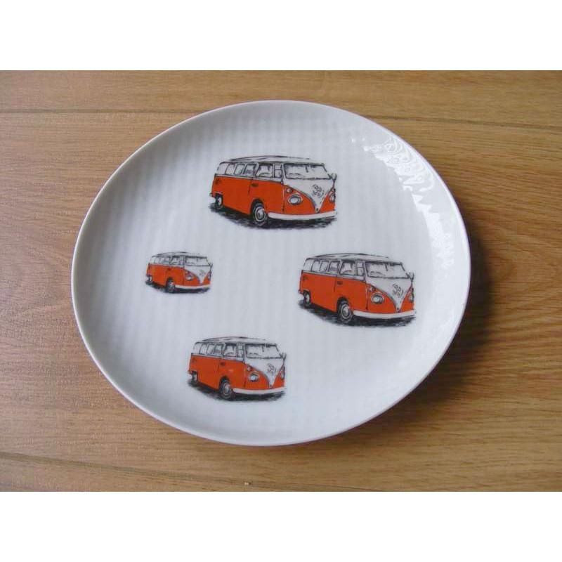 Combi bus afbeeldingen op een geribbeld eetbord rood
