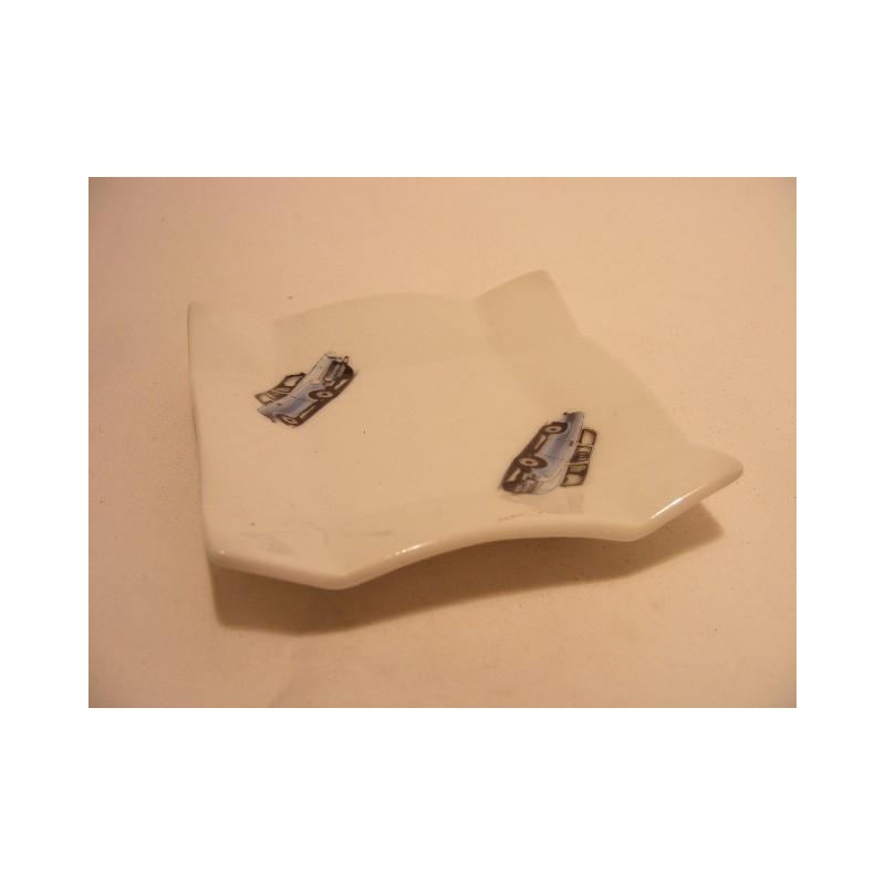 Vierkant schaaltje van porselein voor je theezakje, amuse met een oldtimer auto afbeelding
