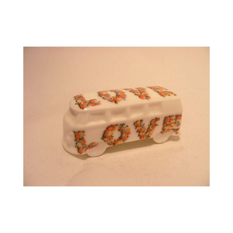 Combi bus bestel van porselein met LOVE opdruk