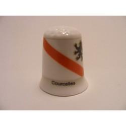 Courcelles vlag Belgie op een porselein vingerhoedje