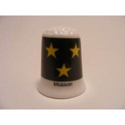 Musson vlag Belgie op een porselein vingerhoedje