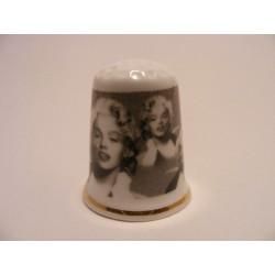Marily Monroe op een porselein vingerhoedje