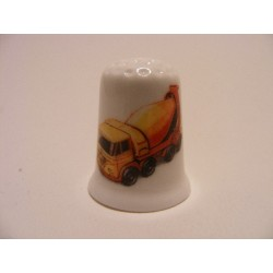 Betonwagen afbeelding op een porselein vingerhoedje