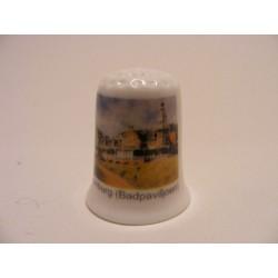 Badpaviljoen in Domburg op een porselein vingerhoedje
