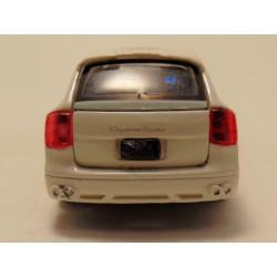 Dodge Charger 2006 1:43 Maisto zilvergrijs