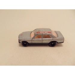 Mercedes 260SEL 1:64 MC Toys blue