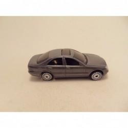 Mazda Bongo Friendee 1:64 Tomica blauw